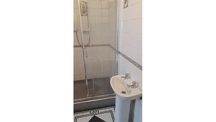 Wetroom Before2.1